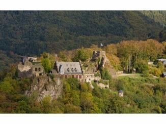 Seitenansicht aufs Schloss © Schloss Veldenz