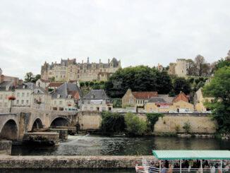 Blick über den Fluss - Château de Saint-Aignan