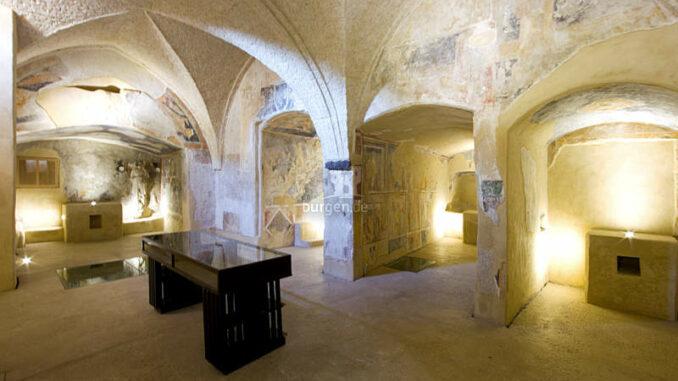 Castello-Aragonese_Katakomben_c-CA