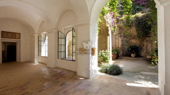 Castello-Aragonese_Torbogen_c-CA