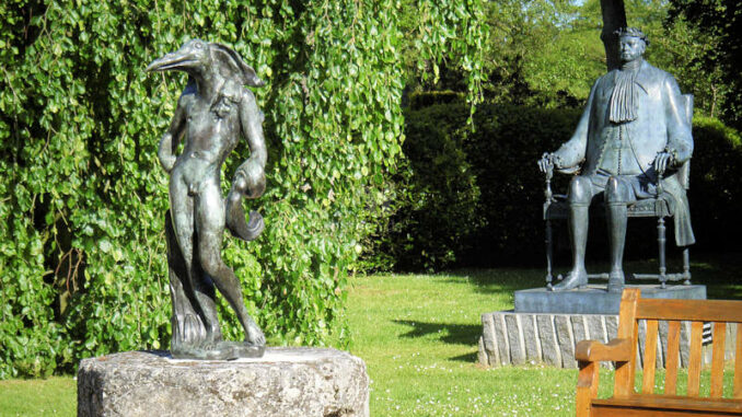 Chateau-Vascoeuil_Statuen-im-Park_c-Chateau-Vascoeuil