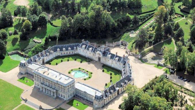 Chateau-de-Bizy_Luftbild