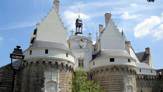 Chateau-des-Ducs-de-Bretagne_Torhaus