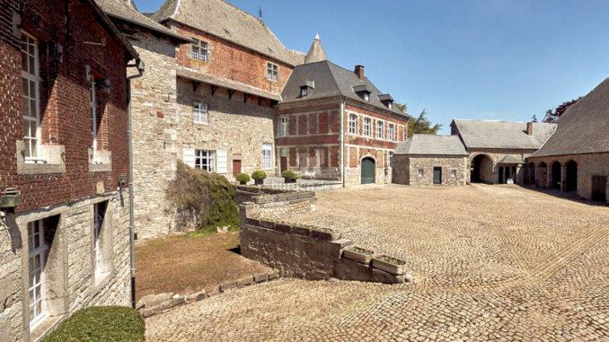 Chateau-du-Fosteau_Innenhof_c-F-Blaise