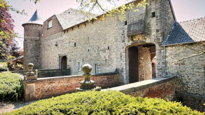 Chateau-du-Fosteau_Torhaus_c-F-Blaise