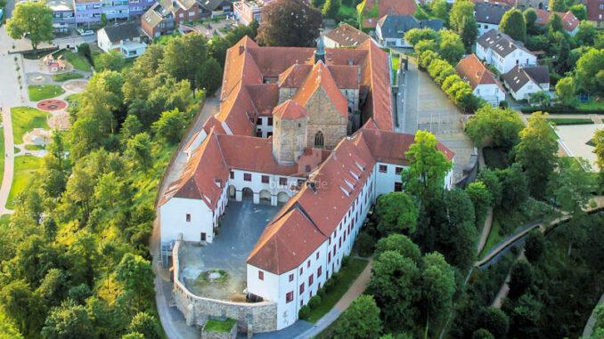 Schloss-Iburg_Luftbild_c-KMosebach