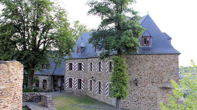 Burg-Kastellaun_Innenhof