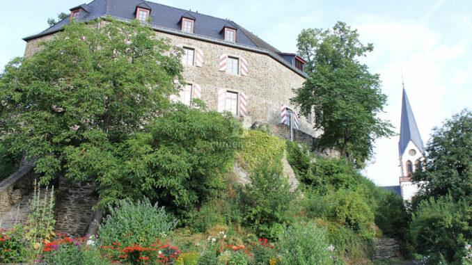 Burg-Kastellaun_Luftbild-Weg-zur-Burg