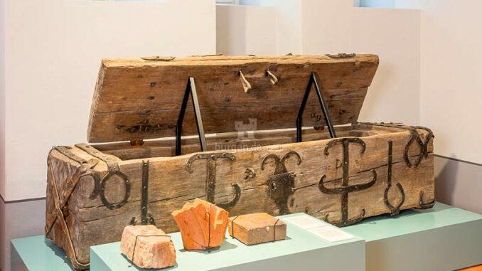 Schloss-Doberlug_Ausstellung-Truhe