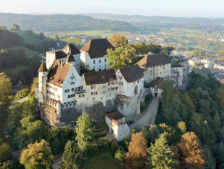 Luftbild Schloss Lenzburg / Aargau