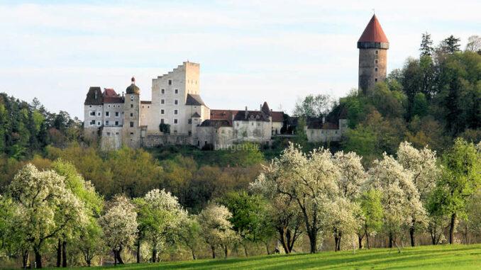 Burg-Clam_Norden