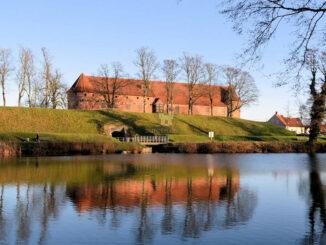 Nyborg Slot - Anlage mit Wasserspiegelbild © Anne Marie Krüger / Østfyns Museer