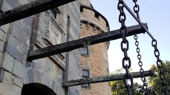 Chateau-de-Bonneval_Zugbruecke_c-Sebastien-Bayle