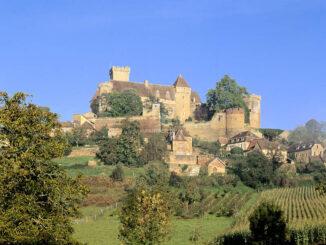 Seitenansicht mit Weinbergen - Château de Castelnau-Bretenoux © Pascal-Lemaitre / CMN