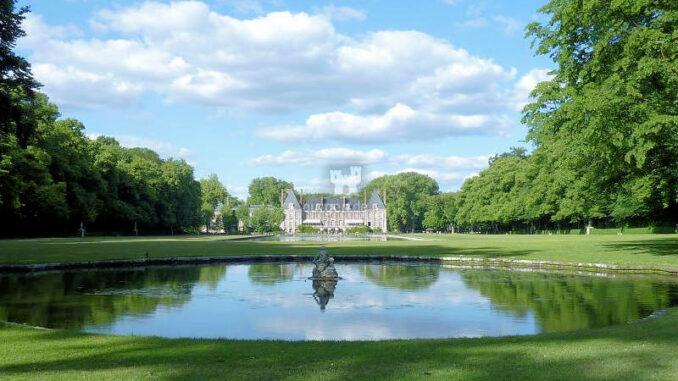Chateau-de-Courances_Blick-auf-das-Schloss_c-CPC