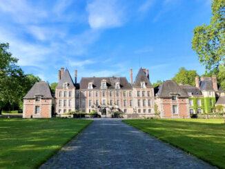 Chateau et Parc de Courances - Blick auf das Schloss in seiner ganzen Pracht