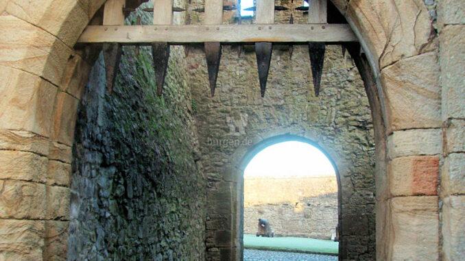 Cahir-Castle_Fallgatter_c-Cahir-Castle_800