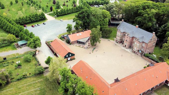 Schloss-Erbhof_Luftbild_c-Schloss-Erbhof