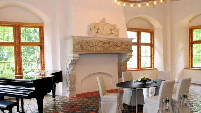 Schloss-Erbhof_Trauzimmer_c-Schloss-Erbhof