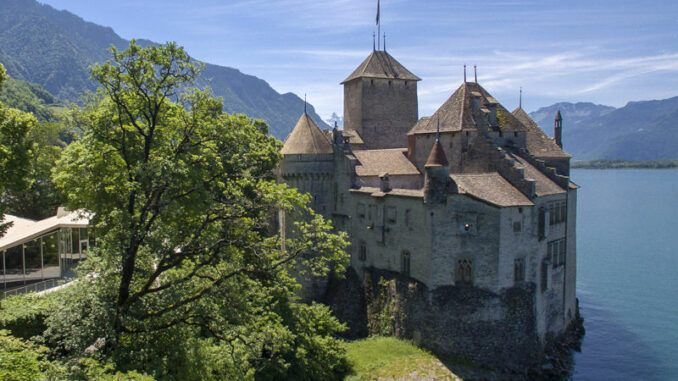 Chateau-de-Chillon_Seitenansicht_c-NVP.ch-Julien-Cuendet