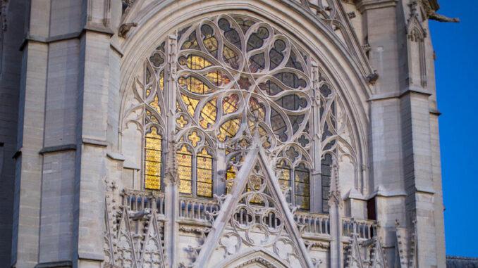 Chateau-de-Vincennes_Eingang-zur-Sainte-Chapelle_c-Maurine-Tric-Centre-des-monuments-nationaux_800