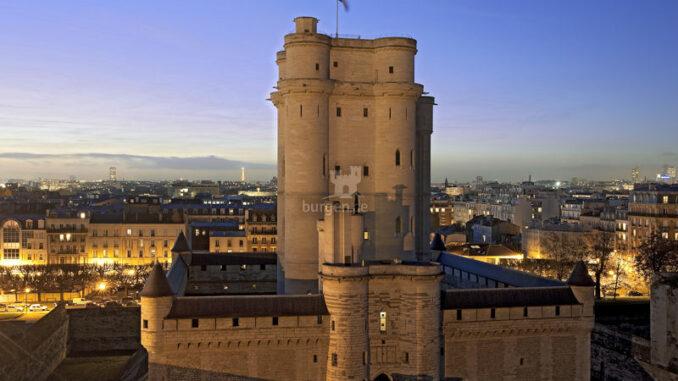 Chateau-de-Vincennes_Vincennes-bei-Nacht_c-Jean-Pierre-Delagarde-Centre-des-monuments-nationaux_800