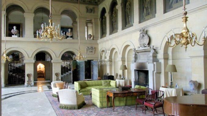 Grimsthorpe-Castle_Vanbrugh-Hall_c-Grimsthorpe-Castle_800