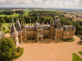 Waddesdon Manor - Nordseite aus der Luft © Chris Lacey / National Trust